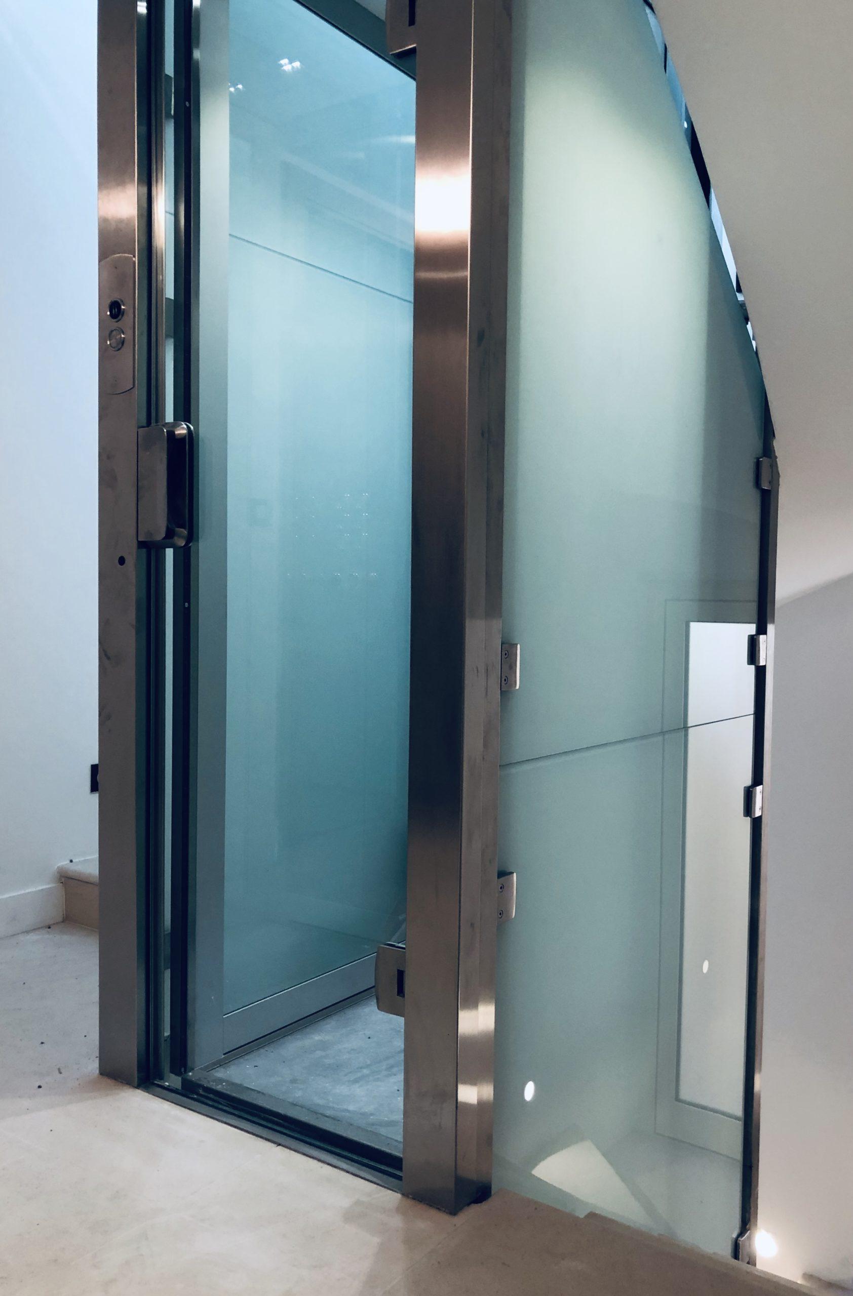 cage escalier verre